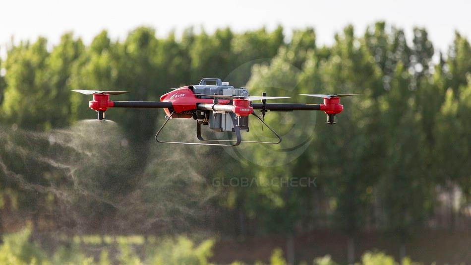 UAV phun thuốc trừ sâu