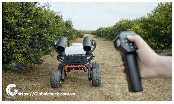robot-nong-nghiep-phun-thuoc-tru-sau-rg150-dieu-khien-tưu-xa