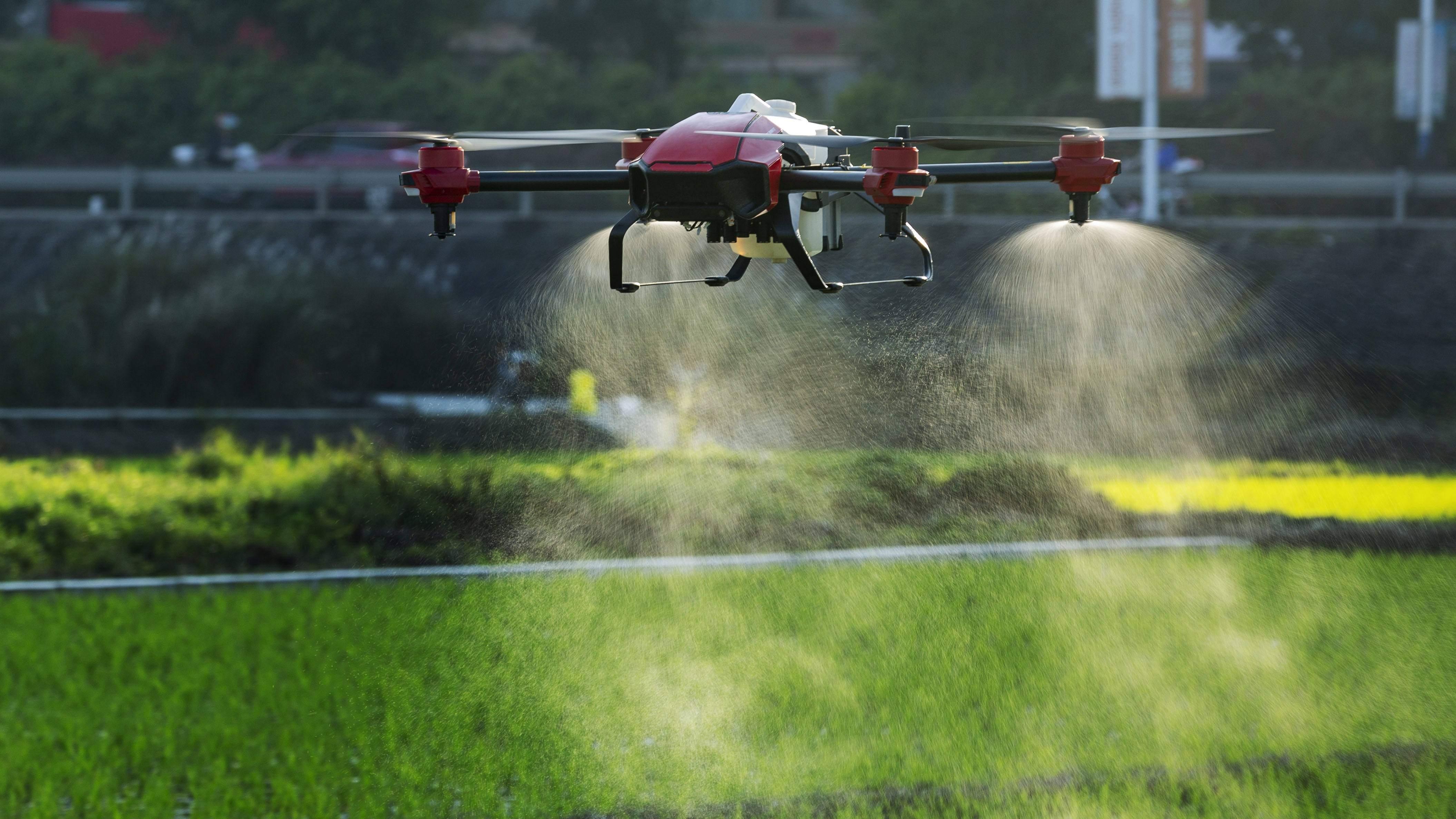 Hiệu ứng phun hạt nước kích thước nguyên tử của máy bay nông nghiệp phiên bản PG30s