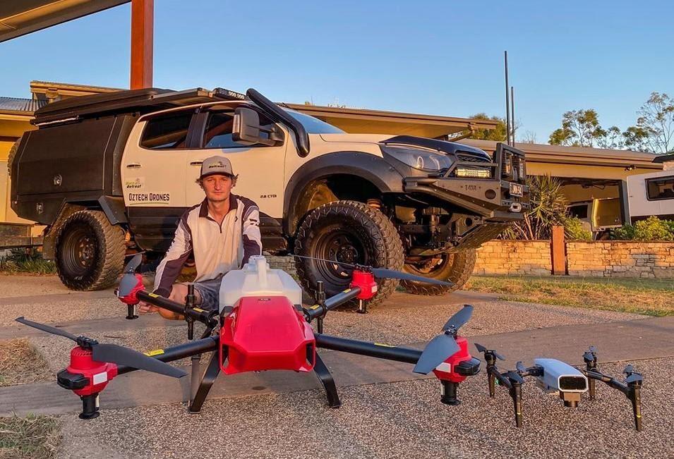 Phi công Jamin Fleming với máy bay nông nghiệp phiên bản PG30s của anh ấy